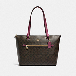 GALLERY TOTE IN SIGNATURE CANVAS - F87701 - IM/BROWN METALLIC BERRY