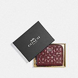 COACH F87757 - BOXED SMALL ZIP AROUND WALLET IN SIGNATURE LEATHER SV/WINE