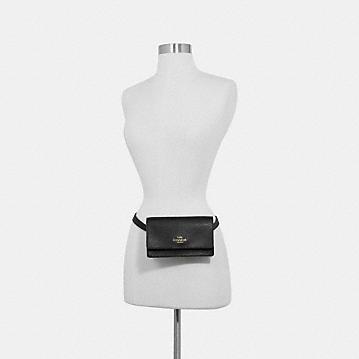 コーチ公式アウトレット | ボックスド フラップ ベルト バッグ | ミニバッグ/ボディバッグ/ベルトバッグ