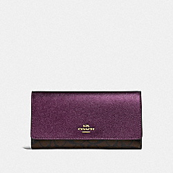 COACH F88024 Trifold Wallet In Signature Canvas IM/BROWN METALLIC BERRY