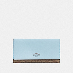 COACH F88024 - TRIFOLD WALLET IN SIGNATURE CANVAS SV/KHAKI PALE BLUE