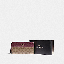 BOXED ACCORDION ZIP WALLET IN SIGNATURE CANVAS - F88339 - IM/KHAKI METALLIC WINE