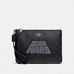 COACH F88488 Star Wars X Coach Gallery Pouch In Signature Canvas With Motif SV/BLACK SMOKE/BLACK MULTI