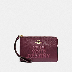 COACH F88922 - STAR WARS X COACH CORNER ZIP WRISTLET WITH IT IS YOUR DESTINY IM/DARK BERRY