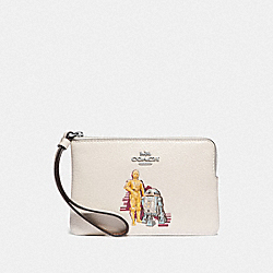 COACH F88924 - STAR WARS X COACH CORNER ZIP WRISTLET WITH C-3PO AND R2-D2 SV/CHALK MULTI