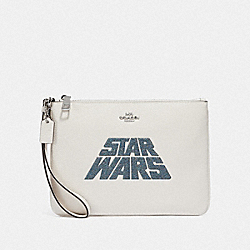 COACH F89166 - STAR WARS X COACH GALLERY POUCH WITH GLITTER MOTIF SV/CHALK MULTI