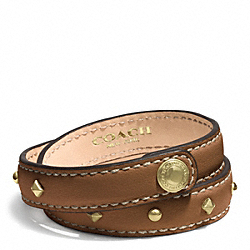 STUDDED LEATHER WRAP BRACELET - f99687 - BRASS/SADDLE