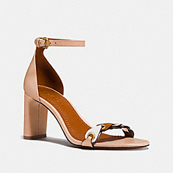 HEEL SANDAL WITH COACH LINK - FG2056 - BEECHWOOD/CHALK/SADDLE