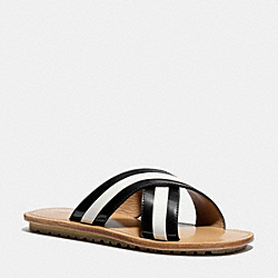 COACH Q4302 Jesse Sandal BLACK/CHALK