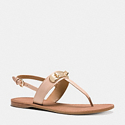 COACH Q8100 Gracie Swagger Sandal BEECHWOOD