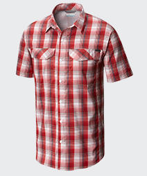 Close-up of a mens  SILVER RIDGE LITE PLAID short sleeve shirt.