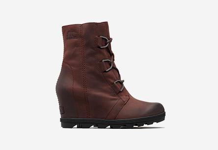 Profile of Joan Of Arctic Wedge II boot.