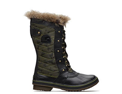 Profile image of a Hiker green Tofino II boot on a white background