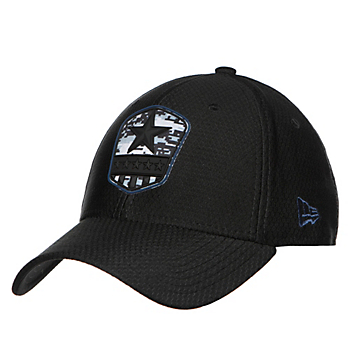Dallas Cowboys New Era Salute to Service Mens Black 39Thirty Cap