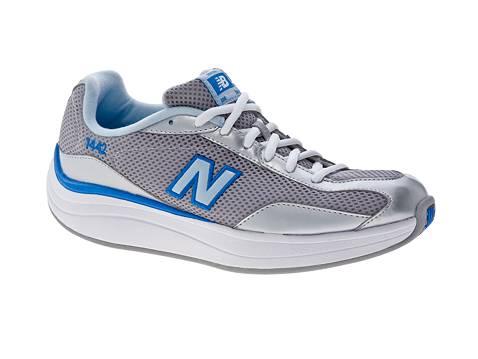 New Balance  Rock And Tone Fitness Shoe Womens