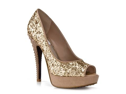 Wide Width Shoes for Women. Shoes are a girl's best friend. At Torrid, we believe there's no such thing as too much footwear so walk this way toward our collection of medium and wide width shoes! You won't find a selection of medium and wide width shoes for women as stylish and sexy as ours anywhere else.