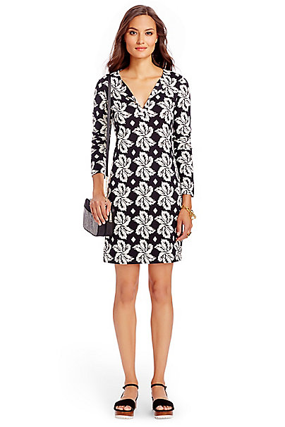 Reina Silk Jersey Tunic Dress In In Giant Leaf Floral Black