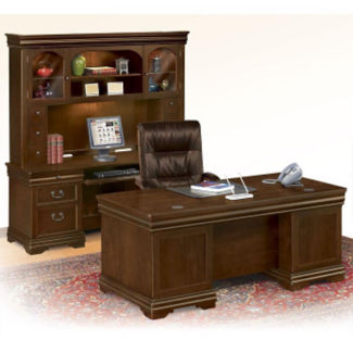 Traditional Executive Desk, Credenza and Hutch Set, D35202