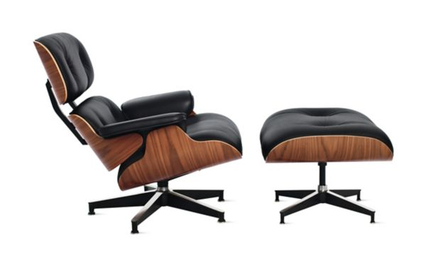 Eames Lounge Stoel : Eames lounge chair and ottoman design within reach