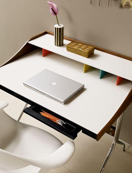 Superieur Nelson™ Swag Leg Desk ...