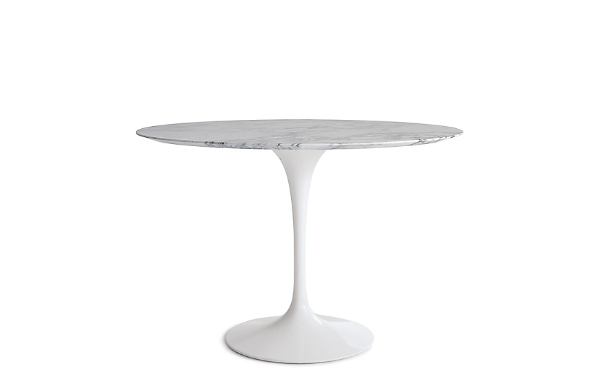 Oval dining table genuine eero saarinen oval dining table for Table basse tulipe