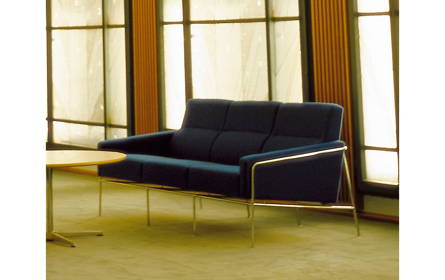Series 3300™ Three-Seater Sofa
