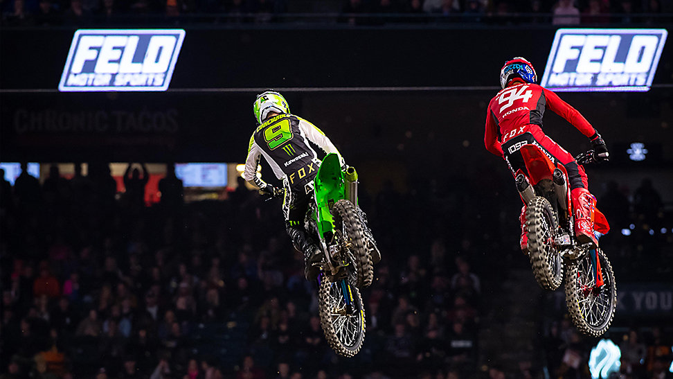 Adam Cianciarulo and Ken Roczen battle in A2 heat races