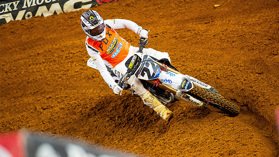 Chad Reed rounding a corner at the 2020 Arlington Supercross.