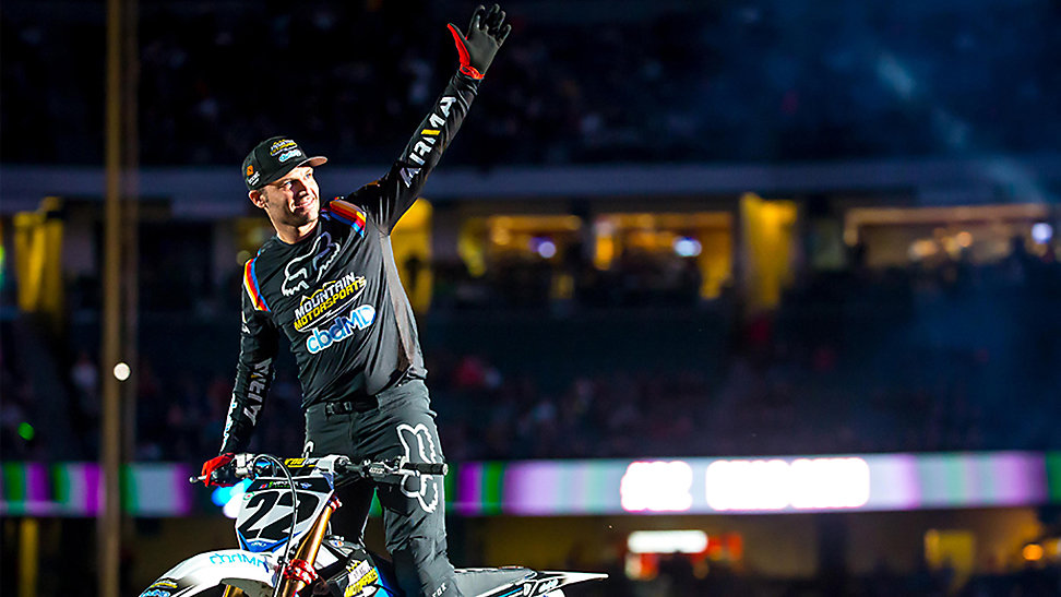 Chad Reed waving to the crowd at this last ride in Anaheim Supercross