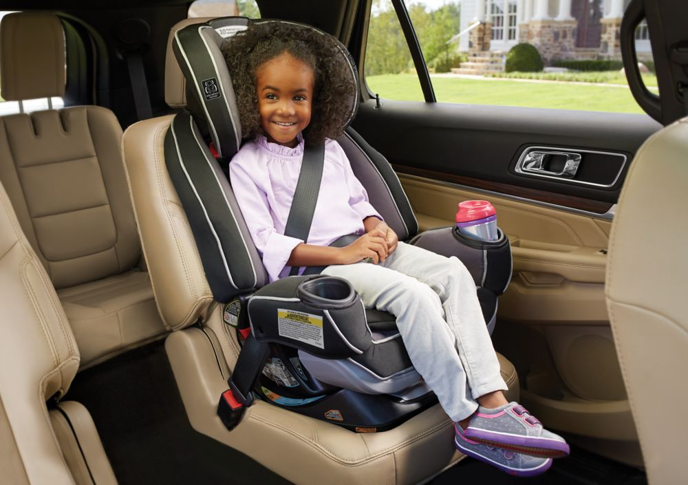 Child In Graco 4ever Extend2fit Car Seat