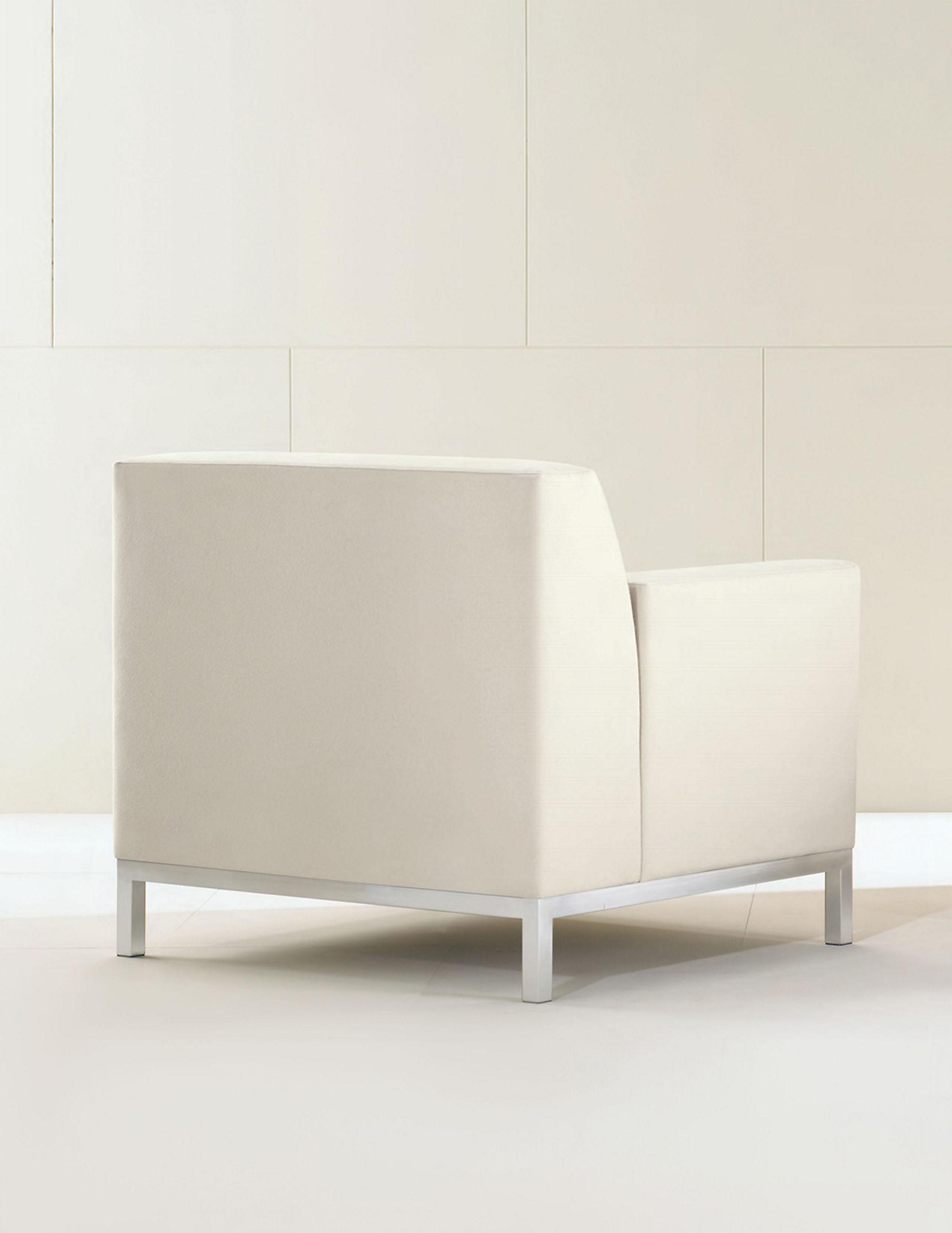 Bianco Lounge Chair