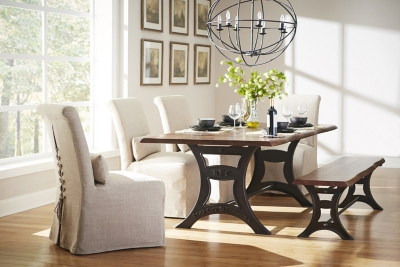 Attrayant River City Dining Table