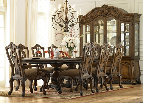 Villa Clare Dining Table | Havertys