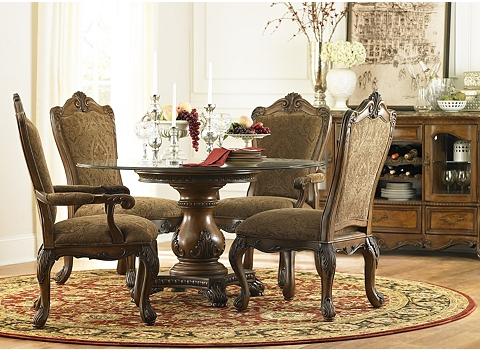 Alternate Villa Clare Round Dining Table Image