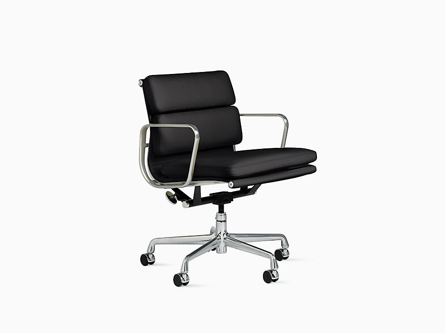 Eames Soft Pad Management Chair
