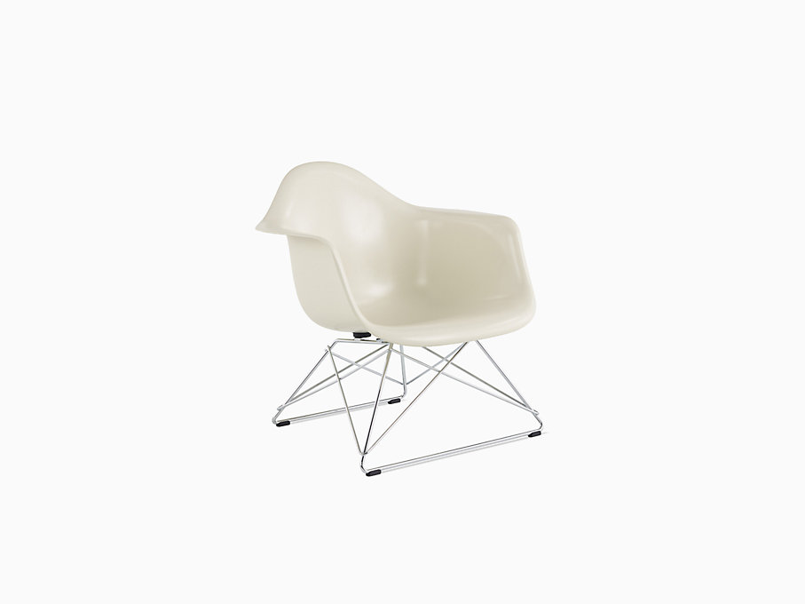 Eames Molded Fiberglass Armchair, Low Wire Base