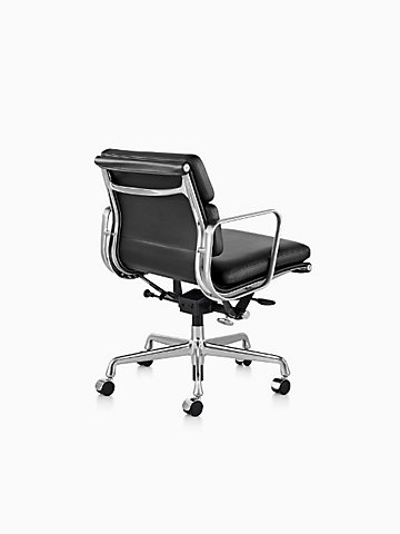 Eames® Soft Pad™ Management Chair with Pneumatic Lift