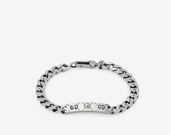 Holt Renfrew image d'un GUCCI. Bracelet chaîne GucciGhost en argent sterling. 395 $. MAGASINER MAINTENANT