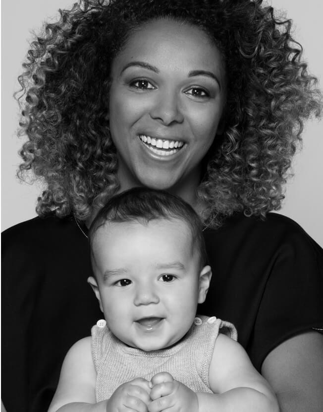 Holt Renfrew image d'un Agnes Tijet, directrice, Approvisionnement, et son garçon