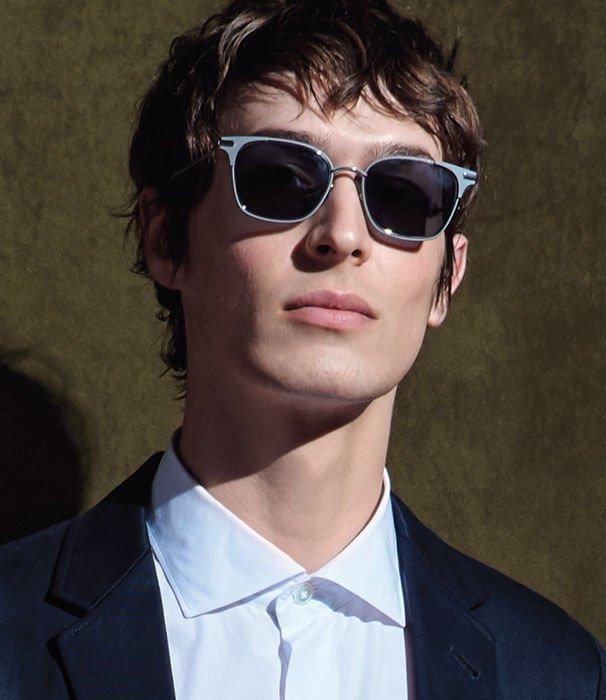 Jetez un coup d'œil à nos lunettes parfaites sous le soleil. MAGASINER LES SOLAIRES