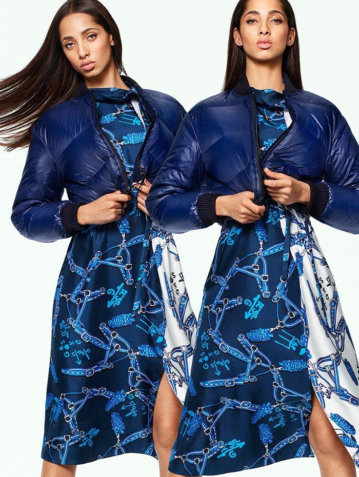 Holt Renfrew image de TIBI veste bouffante Gus en duvet écourtée et réversible en marine. 750 $. Robe à rabat Renzo à imprimé marine et bleu ciel. 1 435 $.