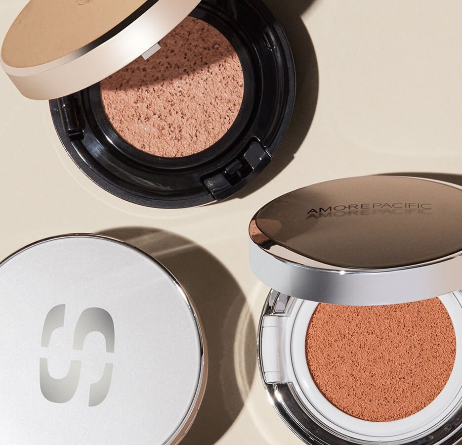 Holt Renfrew image of Holt Renfrew image of Pack bright with our top compacts for Summer escapes. SHOP CUSHION COMPACTS