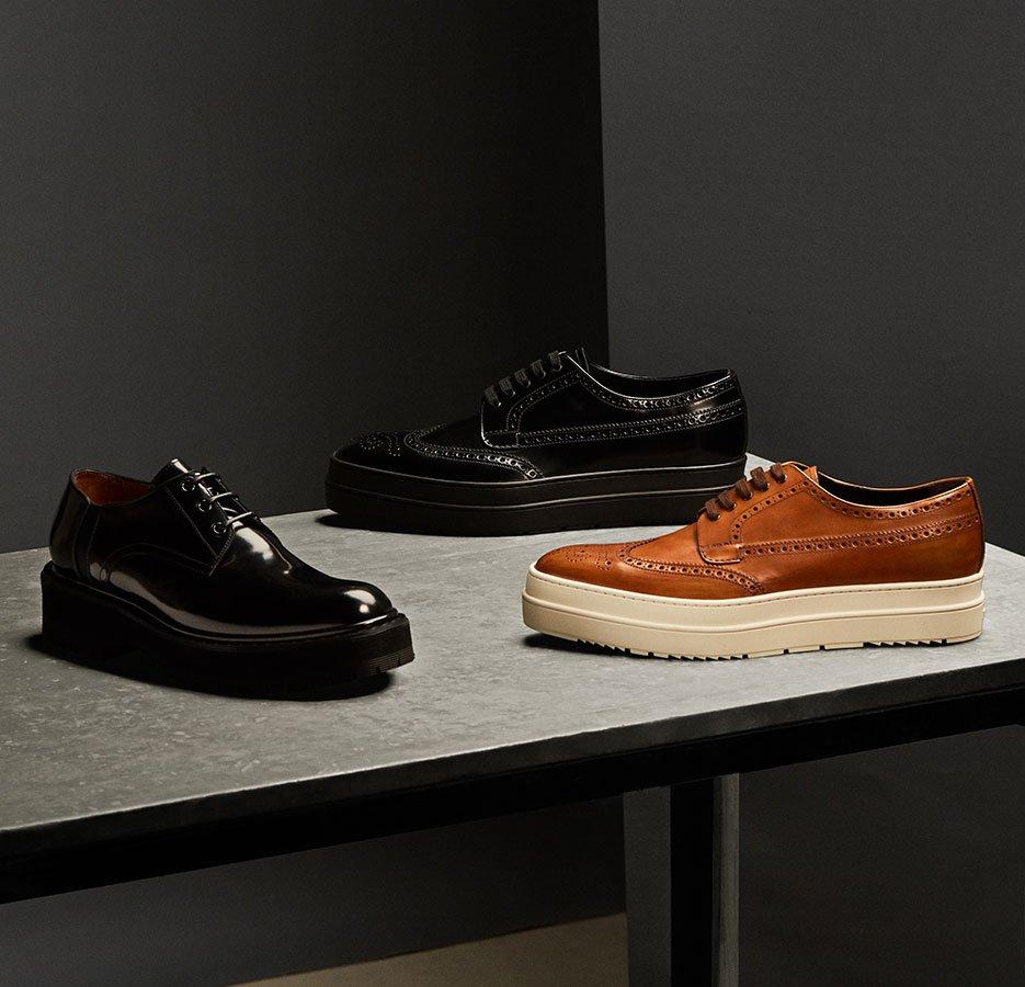 Holt Renfrew Image de Dress Shoes. Tenez le haut du pavé grâce à de nouvelles semelles massives. MAGASINER LES CHAUSSURES HABILLÉES.