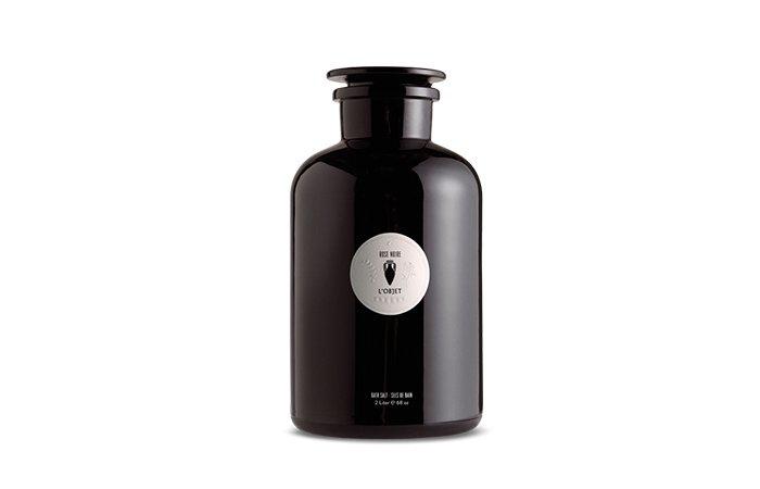 Holt Renfrew image de L'OBJET Bath salt. 2 L. $215. 500 ml. $85.