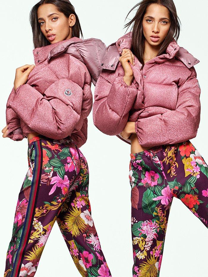 Holt Renfrew image de MONCLER blouson Caille en rose. 1 850 $. Pantalon à motif floral. 745 $.