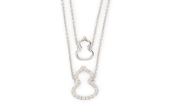 Holt Renfrew image of QEELIN. Petite Wulu White 18K Gold Necklace With Diamonds. $1800.