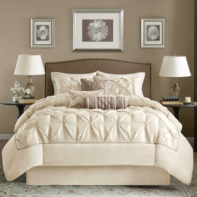 Lovely Tufted Comforter Set