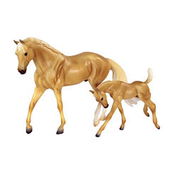 Breyer Classics Palomino Quarter Horse And Foal Set