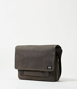 Waxwear Zip Messenger