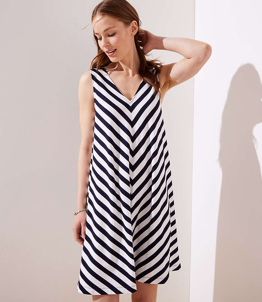 Petite Chevron Double V Sleeveless Swing Dress